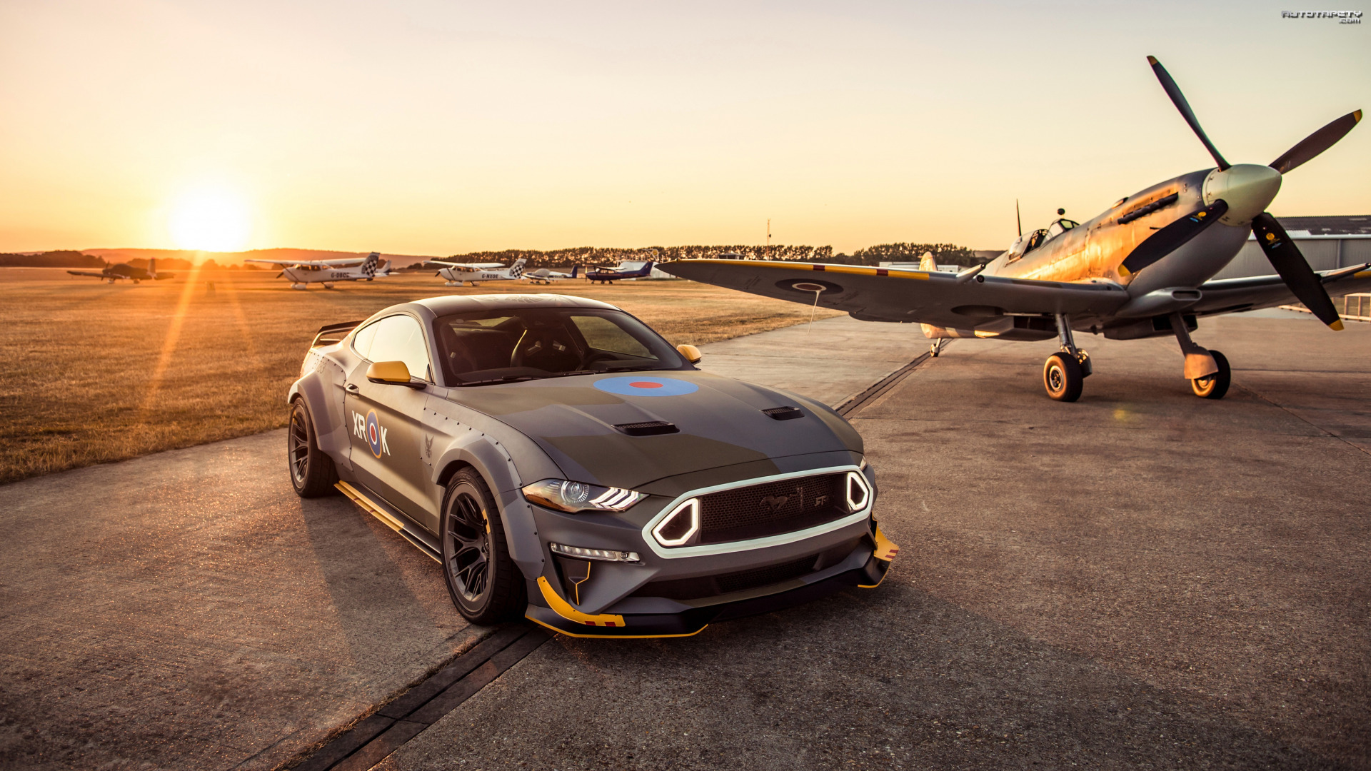 Ford Mustang RTR GT, Samolot